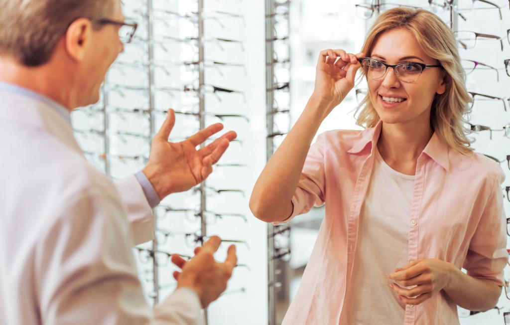 Optiker Krauss Berlin Sehberatung Sehtest Brillenanpassung Brillen