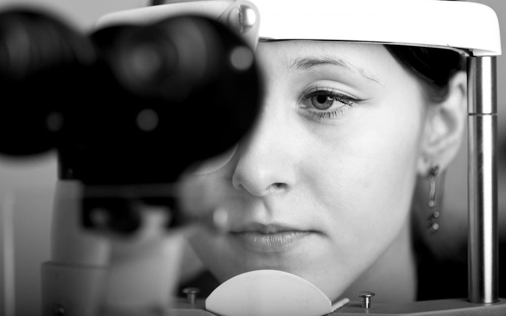 Optiker Krauss Richtig Sehen Augenoptiker Brille Winkelfehlsichtigkeit Prismenbrillen Berlin